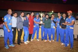 Jeetu Verma, Darshan, Arvinder Singh, Dillzan Wadia, Arman Kohli with the Boxy Boyz Team at the Celebrity Exhibition Match