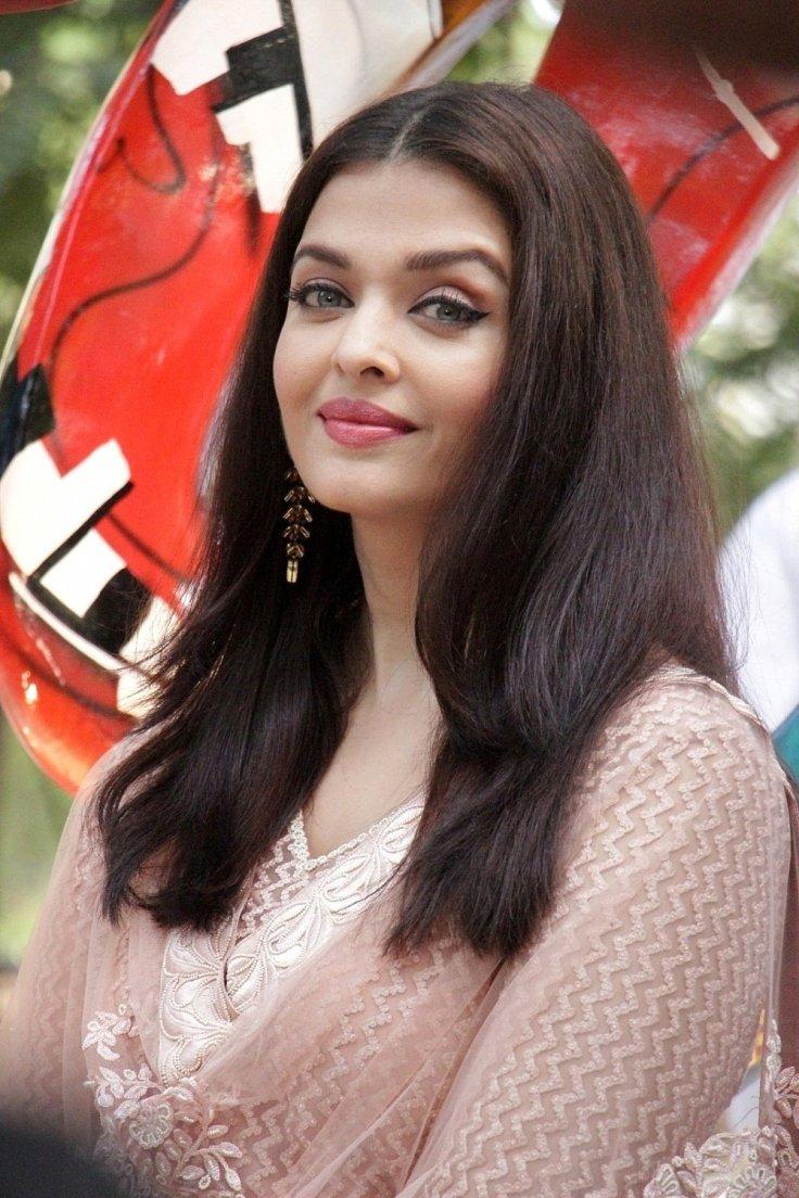 Aishwarya Rai during inauguration of Paradise Garden Images 1497031