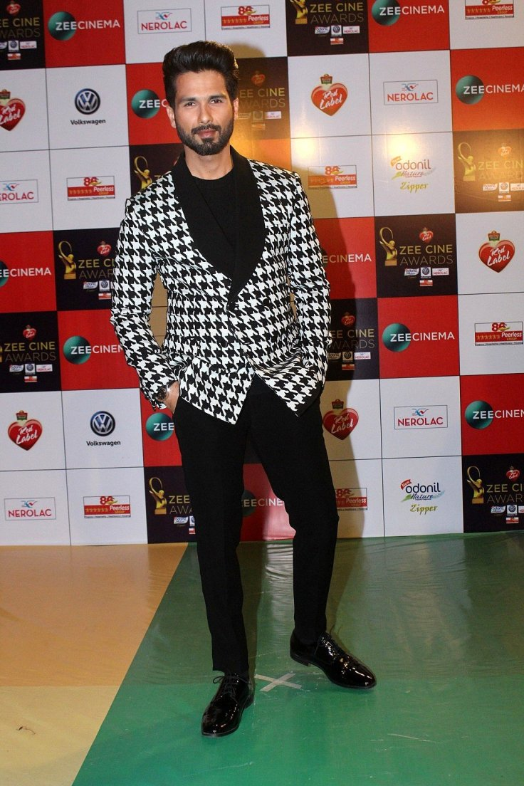 Photos: Celebs At Red Carpet Event Of Zee Cine Awards 2018 1552836.jpg