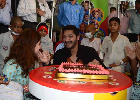 Shreyas Talpade Celebrate Valentine's Day at TATA Memorial Hospital