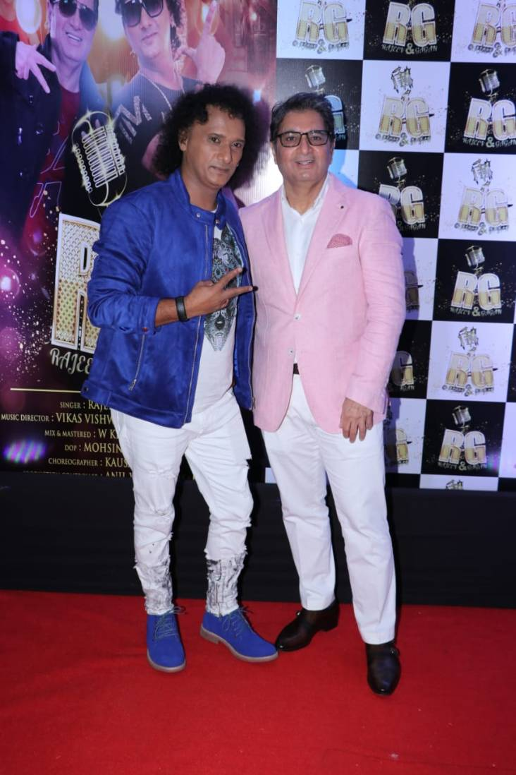 from left to right(Dr.Gagan Singh with Singer Rajeev Vyas)