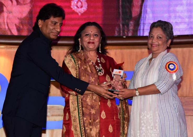 Raju Srivastava, Manju Lodha and awardee Dr. Seema Waghmode at Ample Missiion's Shoorveer Awards & Bharat Prerna Awards 2019