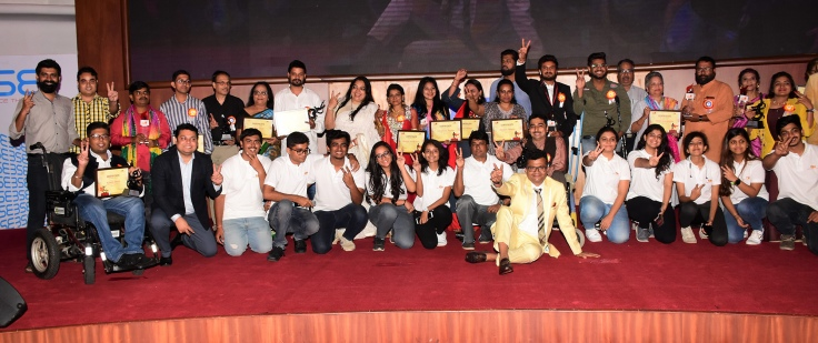 Team Ample Missiion with all the awardees at Ample Missiion's Shoorveer Awards & Bharat Prerna Awards 2019.jpg